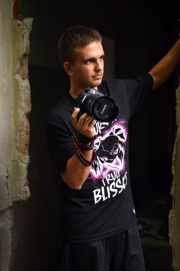 Photographer - 1/2