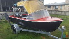 12.6 boat trailer 15hp motor