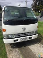 Mt Roskill local house movers 2 or 3 men depends on stuffs hourly or fixed price