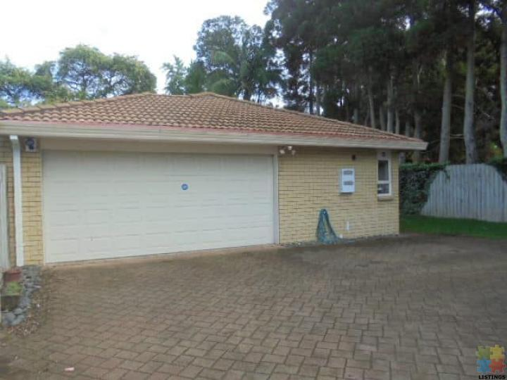 Beautiful 3 Double Bedrooms, Double Garage House for Rent in Avondale - 3/3