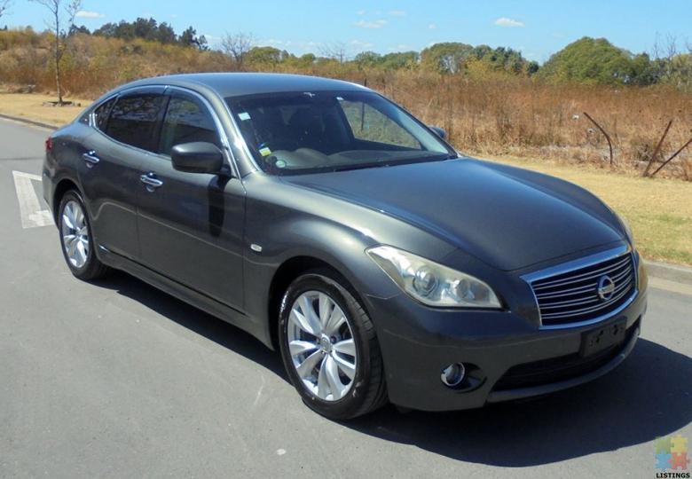 2010 Nissan Fuga 370 VIP - 1/3