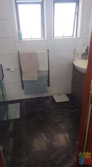 2 beds · 1 bath · Flat - 2/3