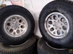 set of mu 15's with tyres on them