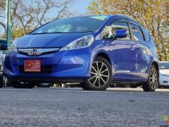 "2012 Honda Fit Hybrid ""Sporty Mags"" !!"