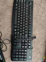 Like new logitech mice and keyboards bundle
