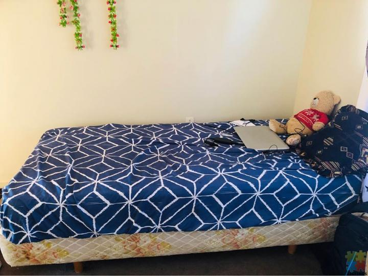 Single bed with mattress - 2/2