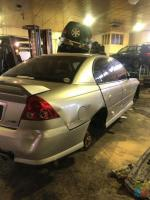 2006 Holden commodore sv6 wrecking for parts only
