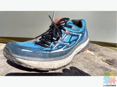 Topo Athletic running shoes sz 9 Euro 27