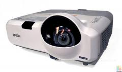 Epson projector EB-435W. RRP $1699