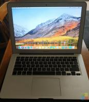 "Macbook Air 13"" 4GB RAM, 256GB SSD"