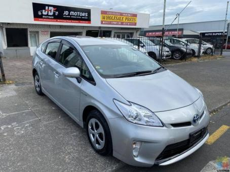 2015 Toyota Prius 55k Kms Done with Touch Stereo with Reverse Camera