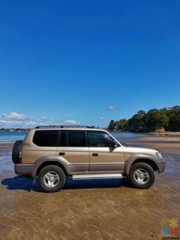 2000 Toyota Landcruiser Prado 3.4l petrol . Low km 244k.