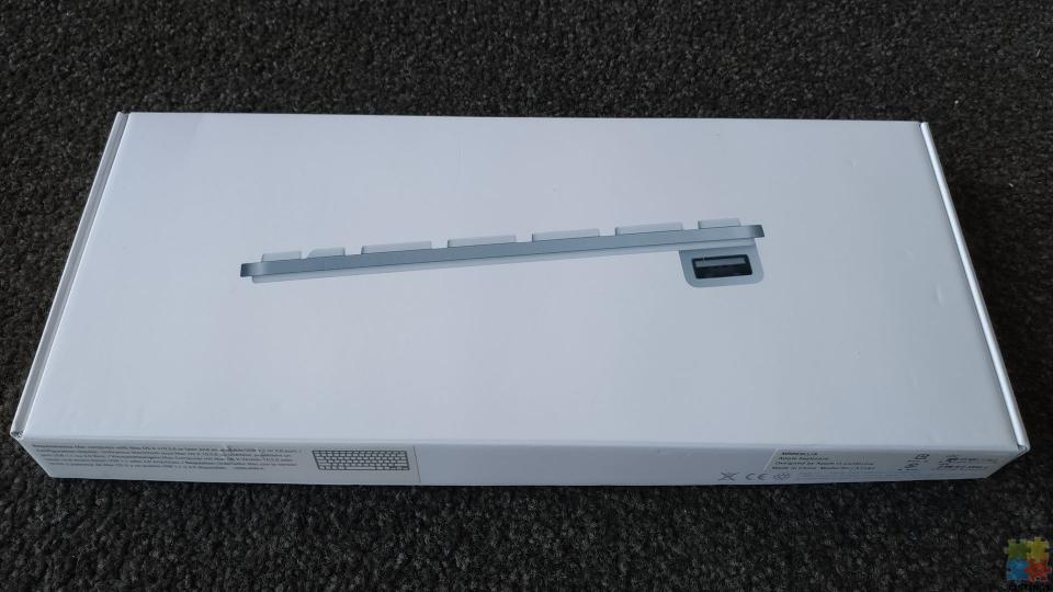 Apple USB Compact Keyboard MB869LL/A - 2/2
