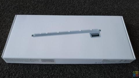Apple USB Compact Keyboard MB869LL/A