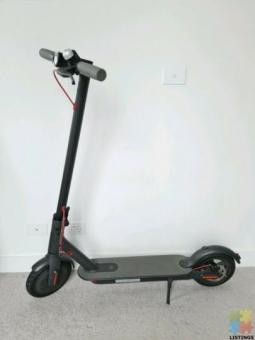 Xiaomi scooter M365 with accessories