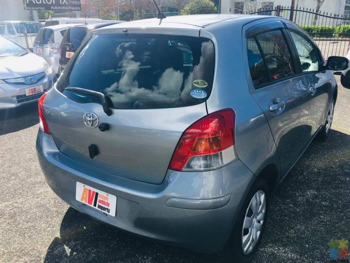2009 Toyota Vitz - 2/3