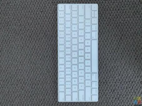 Apple Magic Keyboard 2 (Perfect Condition)