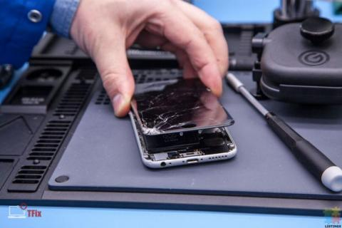 Samsung iphone and ipad screen