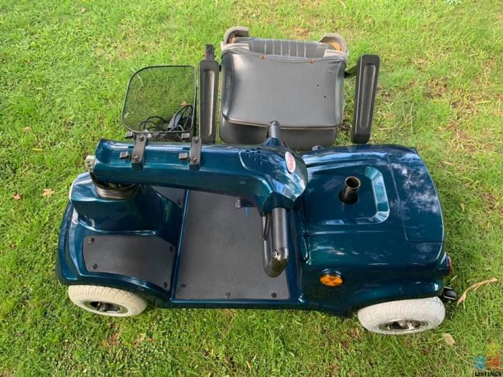 Mobility Scooter CTM HS-360 Model been Stored inside Amazing Beautiful Condition - 2/2
