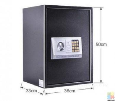 Brand New Large Digital Home Security Lockable Safe