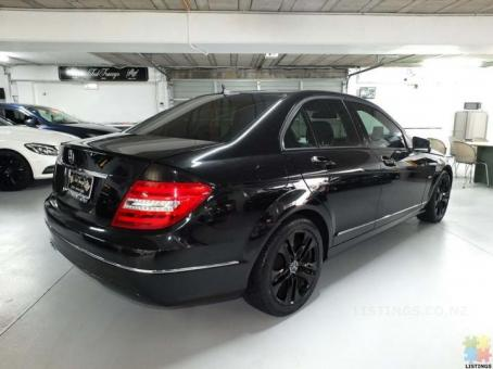 2011 Mercedes C200 Facelift sedan with sports grille & reverse camera for sale