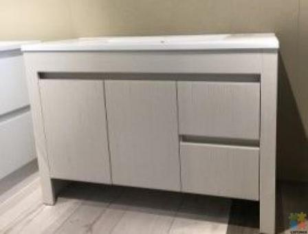 Vinna75 Plywood 750mm Vanity on SALE