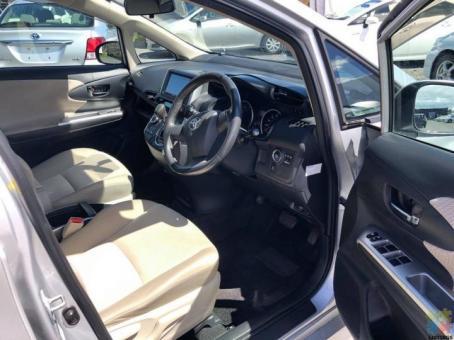 2009 Toyota wish 1.8s reverse camera push start