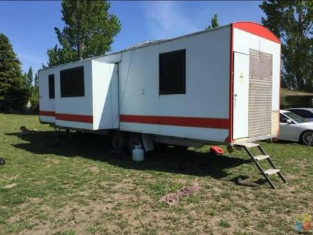 Portable building trailer