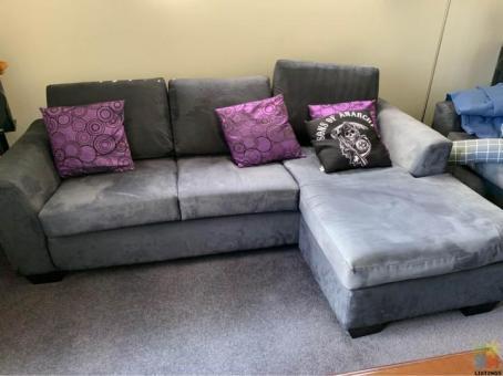 Lounge suite pick up pakuranga