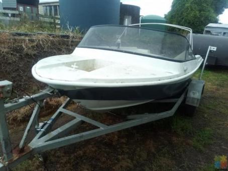 Aki fishing boat