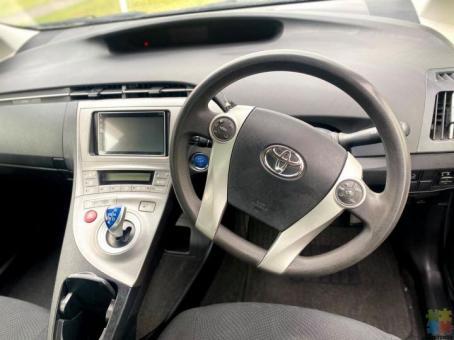 2013 Toyota prius s