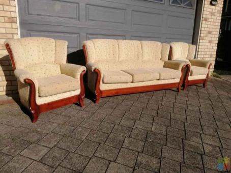 Solid mahogany 5 seater couch set