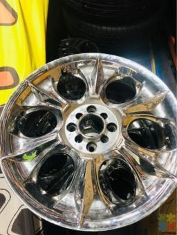 "18"" Chrome Wheels"
