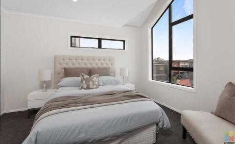 Newly build self-contained studio apartment (Hobsonville)