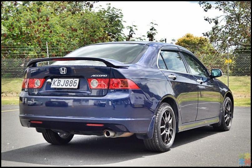 2006 Honda accord**rev camera+sporty alloy wheels** - 2/3