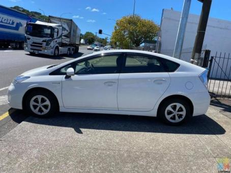 """2015 Toyota Prius with 10"""" Android Radio & Reverse Camera done 119k"""