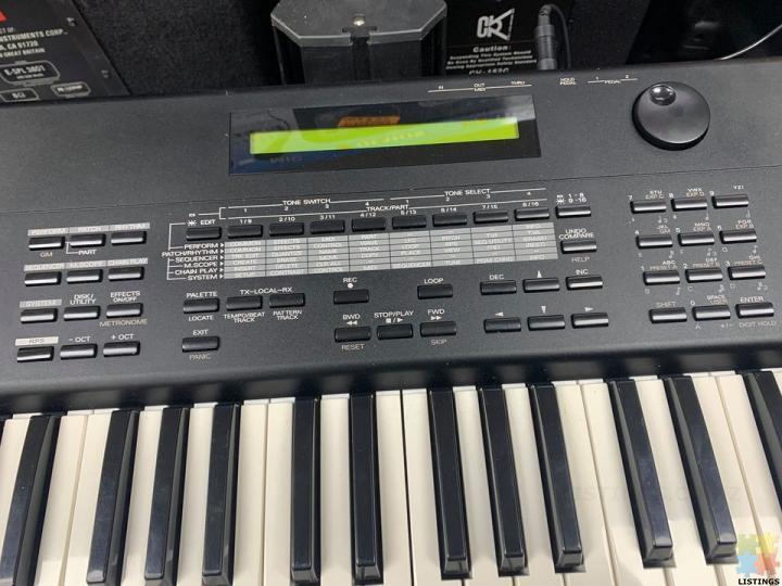 ROLAND XP-50 MUSIC WORK STATION - 1/2