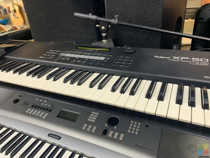 ROLAND XP-50 MUSIC WORK STATION - 2/2