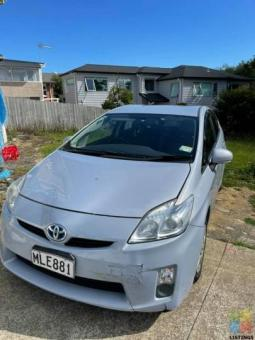 Toyota prius 2011 for sell