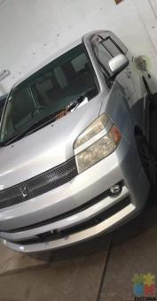 AFFORDABLE 2010 FAMILY VANS & PEOPLE MOVERS