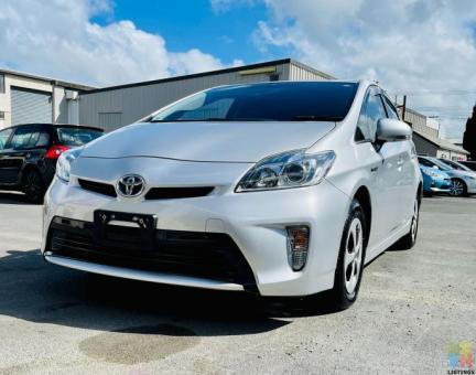 2015 Toyota Prius S Model NEW SHAPE 8 Airbag