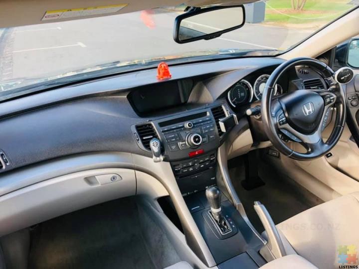 Honda Accord 2009 - 2/3