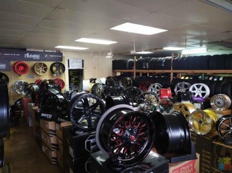Mags , tyres , lift kit, lowering springs Availabile no deposit ...pay weekly