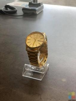 """NIXON """" NEVER BE LATE """" SENTRY SS WATCH"""