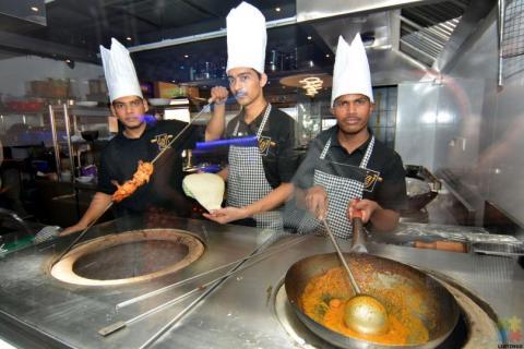 Chef (Tandoor & Curry)