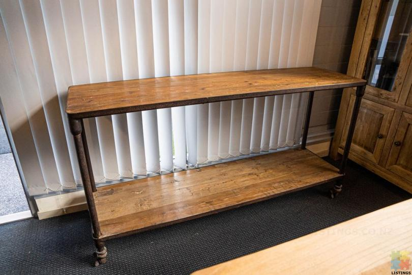 Industrial Old Wood Console with Sheet - 1/1