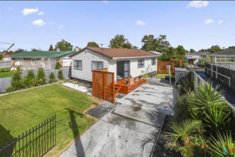 Calling First home buyers close to all amenities papakura. - 1/4