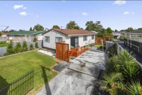 Calling First home buyers close to all amenities papakura.