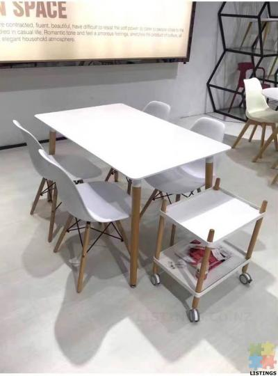 Brand new Dining sets (5ps) free shipping within Auckland metro - 1/1