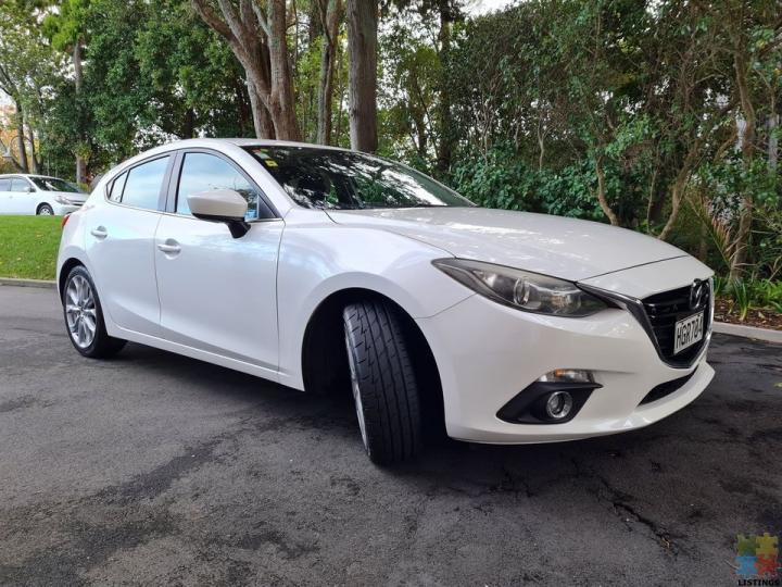 2014 Mazda 3 sp25 - 1/3